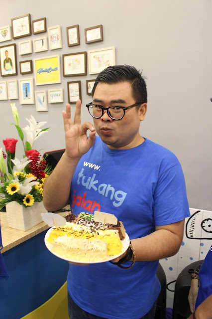 Tukang Jalan jajan makan Ponti Bonti