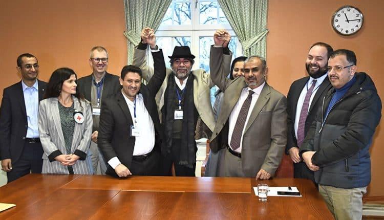 سفير المملكة العربية السعودية لدى اليمن محمد آل جابر يكشف رسميا اتفاق الأطراف اليمنية بشأن مدينة الحديدة وتعز