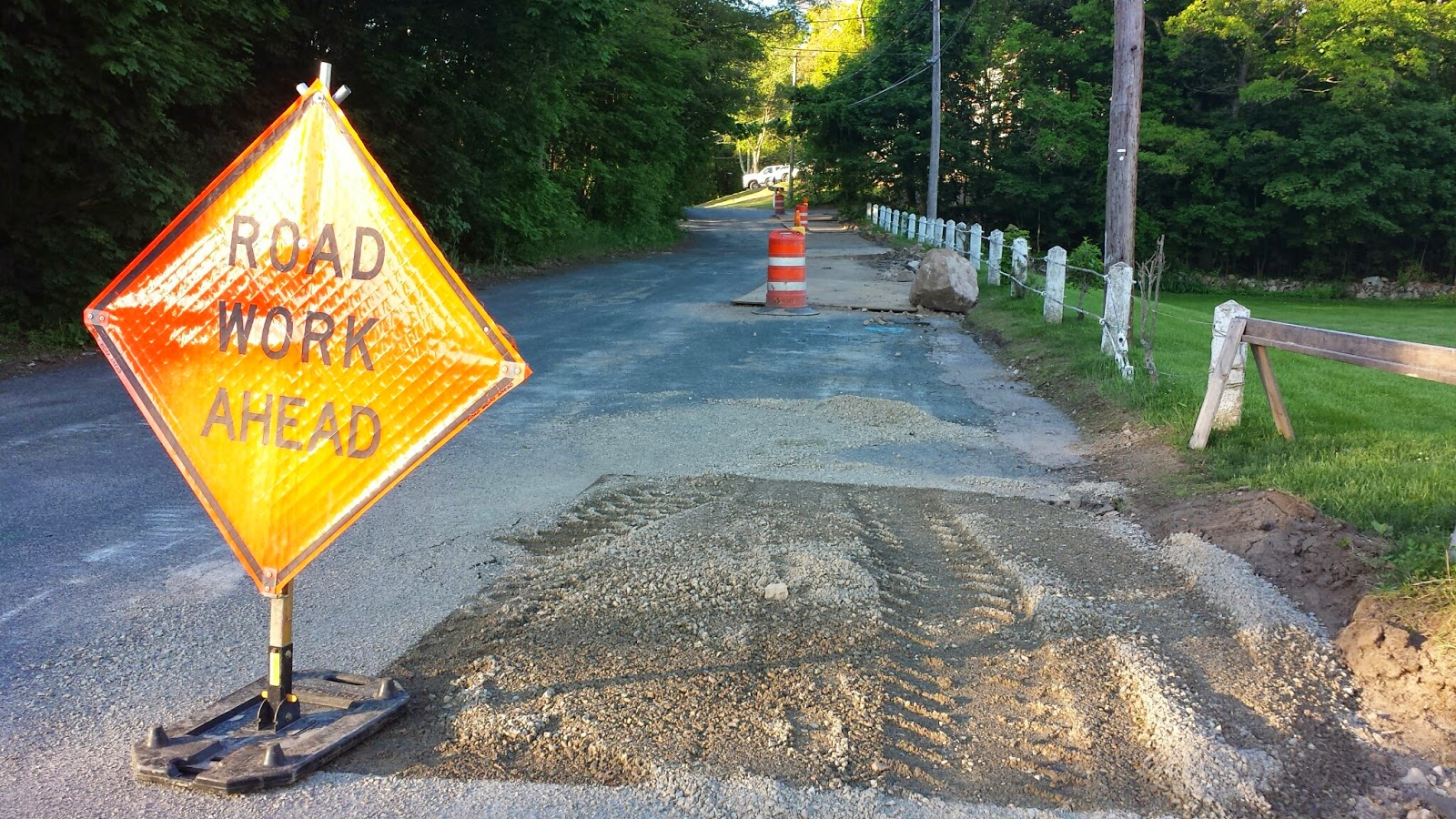 road work on Uncas St