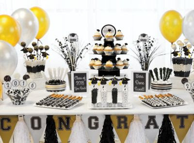 Our Simple Guide to Planning a Stress Free Graduation Party