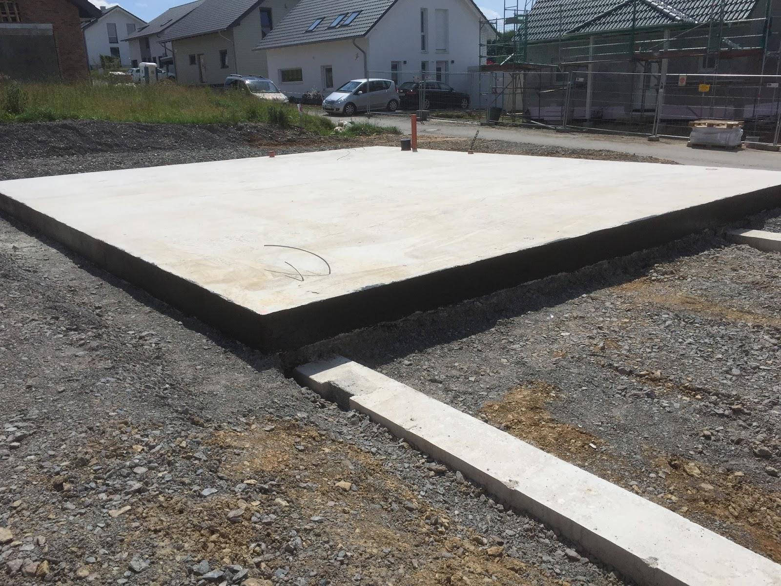 Gut bekannt Wir bauen ein Haus :-): Bitumenvoranstrich Bodenplatte QA62