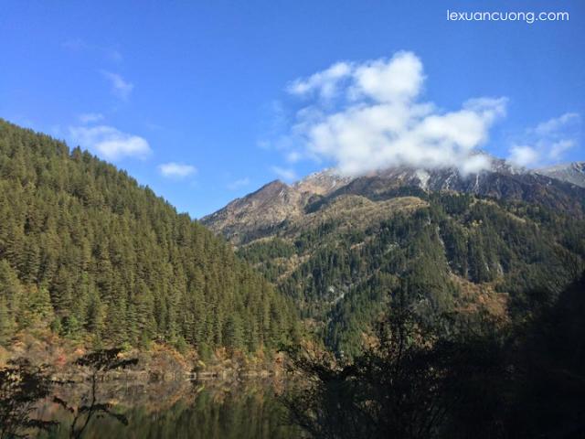 Những ngọn núi ở độ cao hơn 5000m.