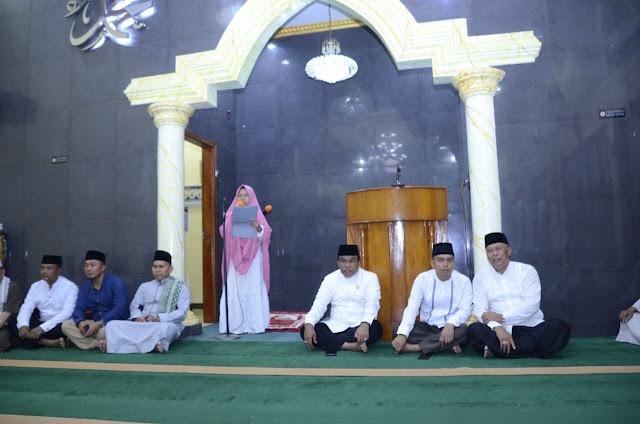 Bupati Bersama Dandim 1407/Bone Kukuhkan Pengurus Masjid Darul Rasjid Saliweng Benteng