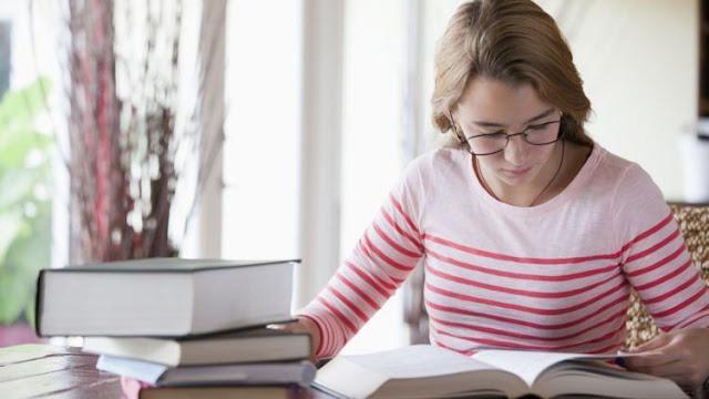 10 Pekerjaan dengan Bayaran Tinggi yang Cocok Untuk si Nerd (Kutu Buku)