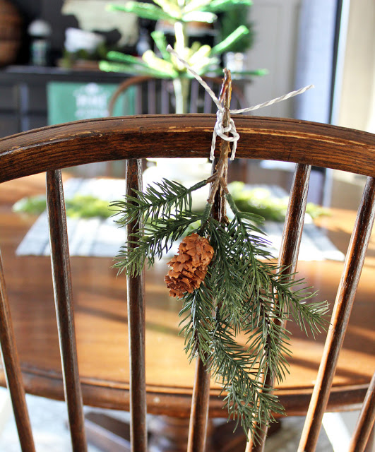 Vintage Charm December Feature of the Month mythriftstoreaddiction.blogspot.com Feature: Itsy Bits and Pieces