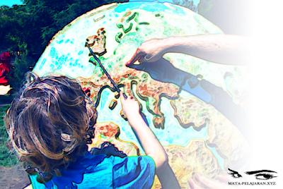 Geografi, Hakikat Geografi, Pengertian Geografi, Prinsip Geografi, Pendekatan Geografi, Ruang Lingkup Geografi, Konsep Geografi, Sejarah Geografi, Cabang Ilmu Geografi, Manfaat Geografi.