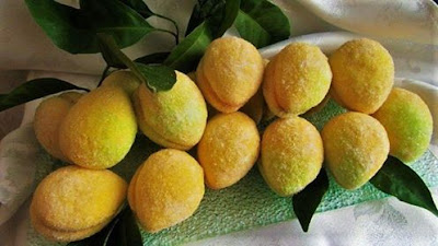 Christmas cookies-Lemons as peaches