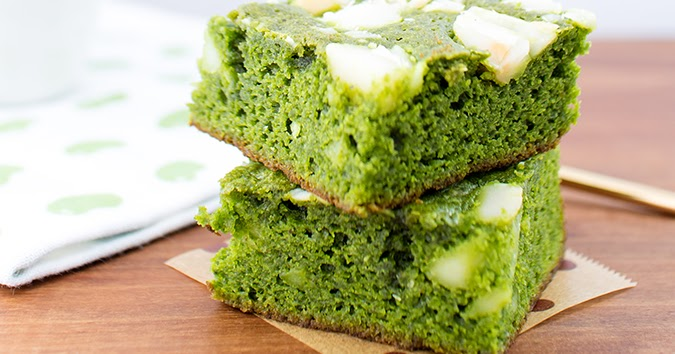Dailydelicious White Chocolate Green Tea Brownies