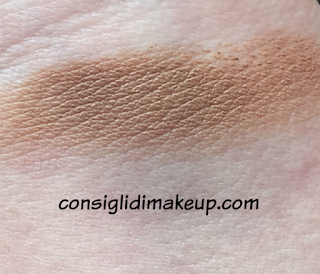 swatches Sculpting Touch Creamy Stick Contour Kiko