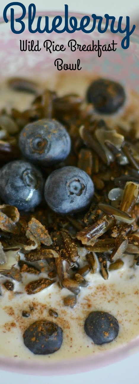 A delicious and creamy breakfast or brunch bowl with juicy blueberries and Minnesota grown wild rice! The perfect start to any morning! Blueberry and Wild Rice Breakfast Bowl Recipe from Hot Eats and Cool Reads!