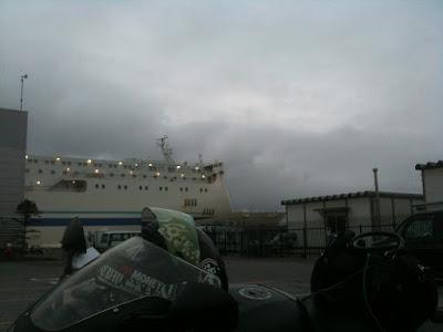 苫小牧東港フェリータミナルにて。GSX-R1000・K2での北海道ツーリング