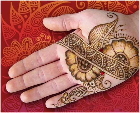 Leaves Design With Mehndi