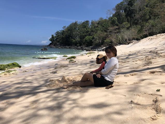 Tebing pasir Pantai Pal Marinsow, Likupang Timur  | ©jelajahsuwanto