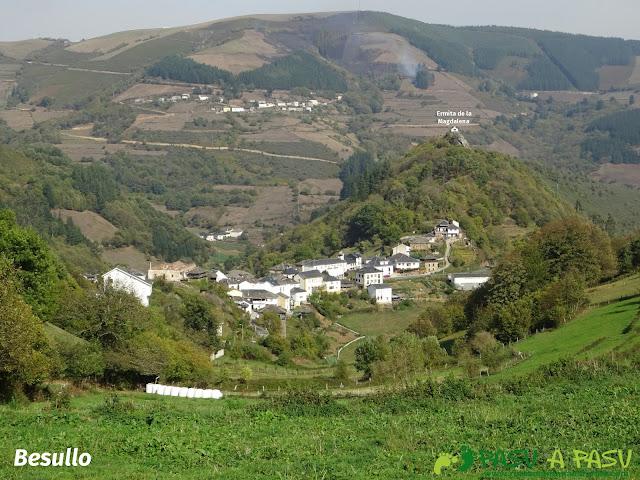 Vista de Besullo y Ermita de la Magdalena