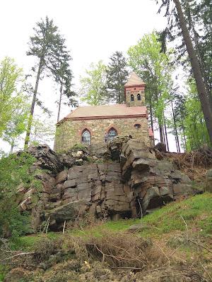 Głuchołazy - przednia kopa, kapliczka św. Anny
