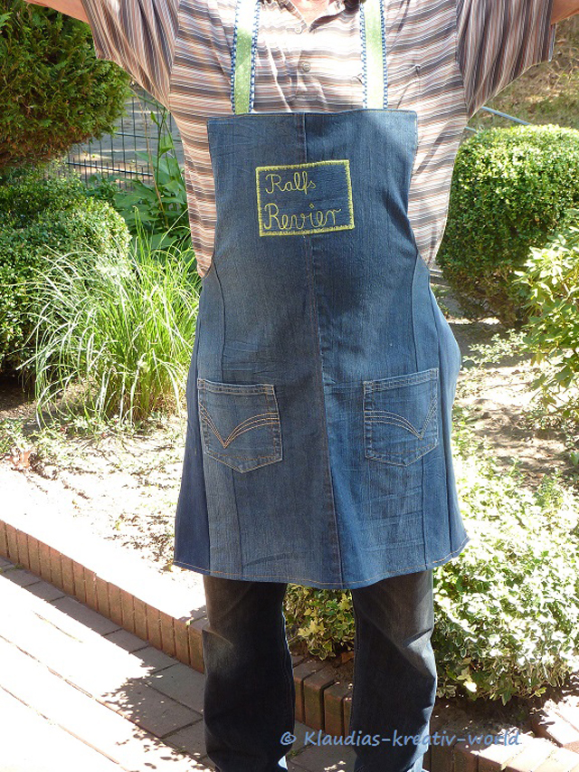 Make an apron from a pair of denim jeans ~ Klaudia's Kreativ World