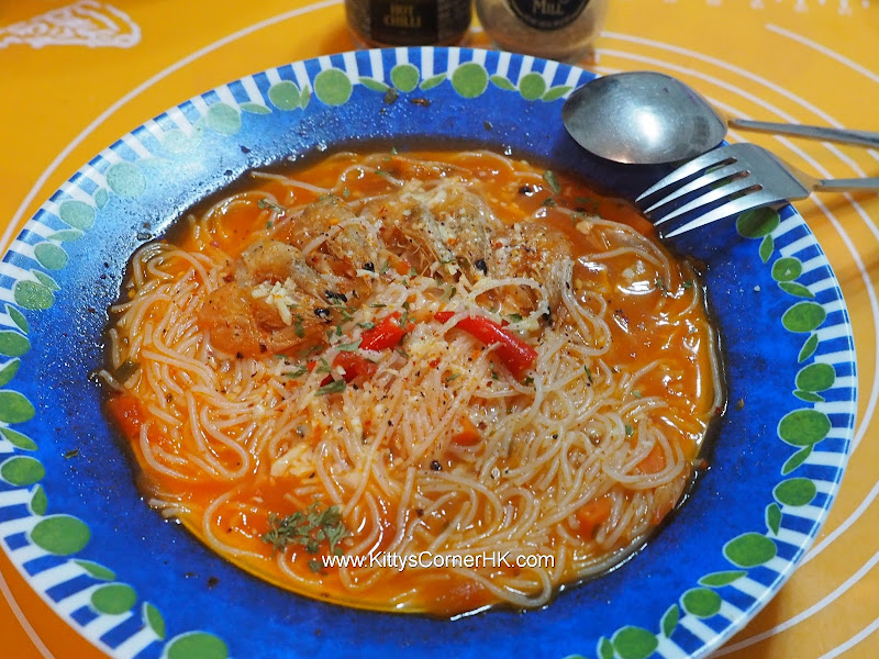 Chinese dried shrimp with Cheese in rice vermicelli soup recipe 蝦乾芝士湯米粉自家食譜