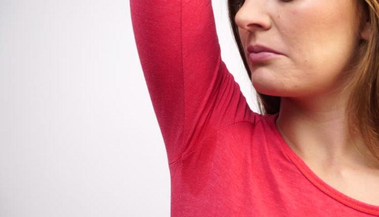 وصفات منزلية لعمل مزيل عرق طبيعي آمن على بشرتك و فعال