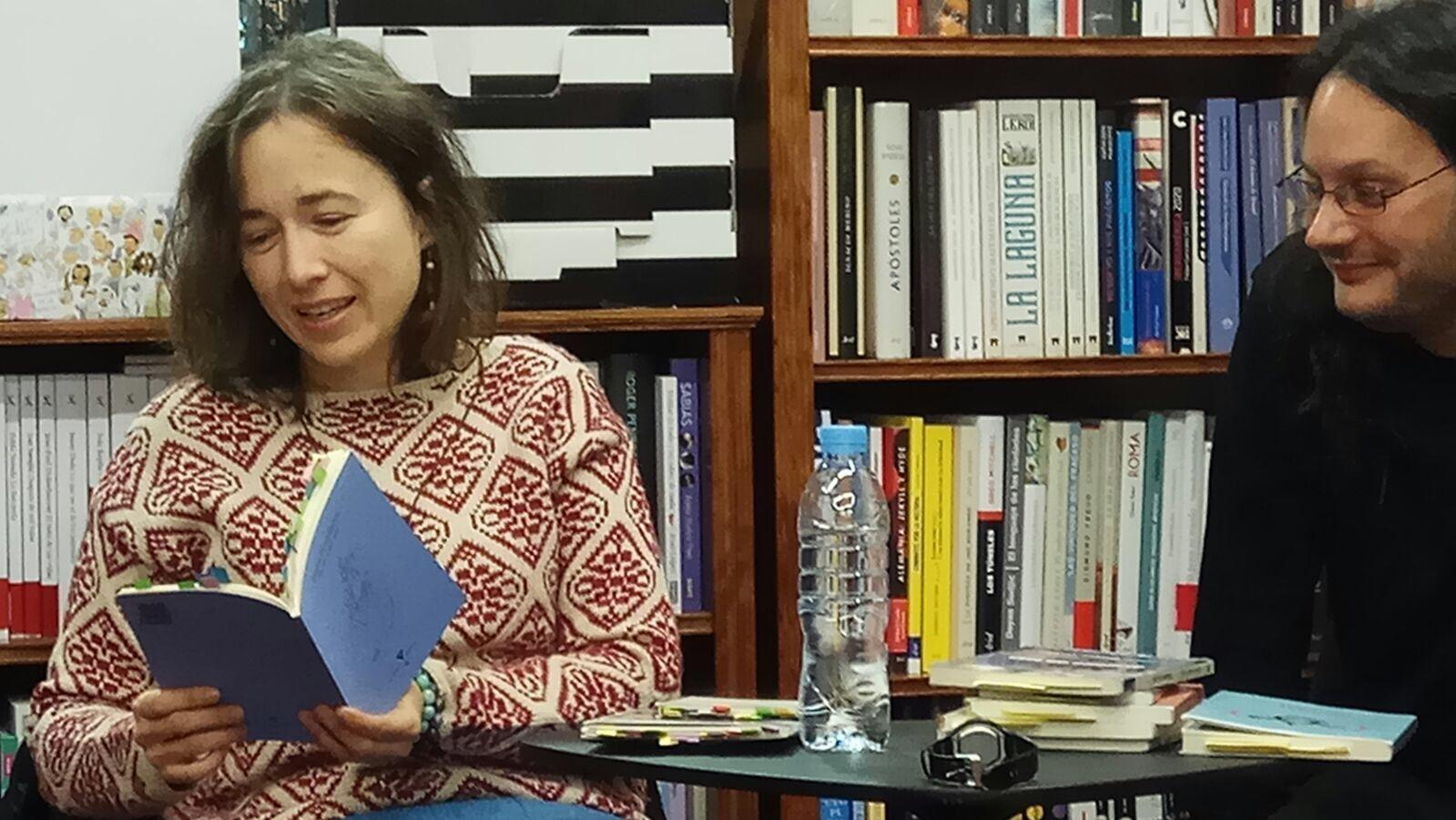 Esther munta ola materia y aire lectura con alberto garc a teresa en la librer a arriero en - Libreria torrejon de ardoz ...