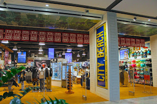 City Beach Front of Store Pacific Fair Photo Aussietrek