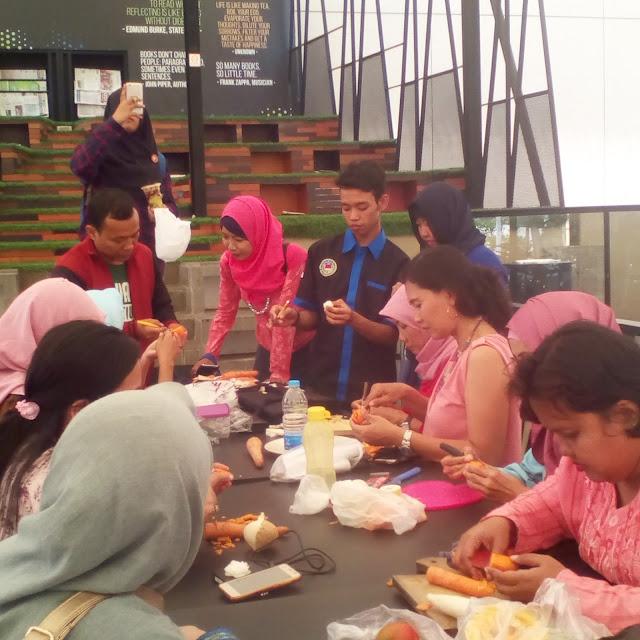 belajar carving para anggota komunitas wajah bunda indonesia
