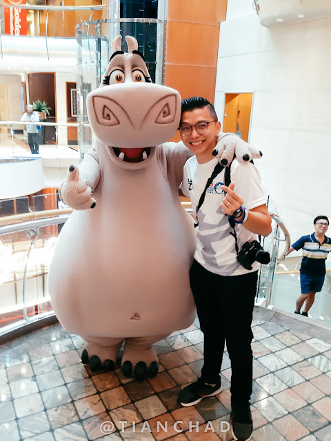 My favourite mascot during the Royal Caribbean cruise trip to Phuket - Gloria from Madagascar!! The person inside has made Gloria looks so happy and alive