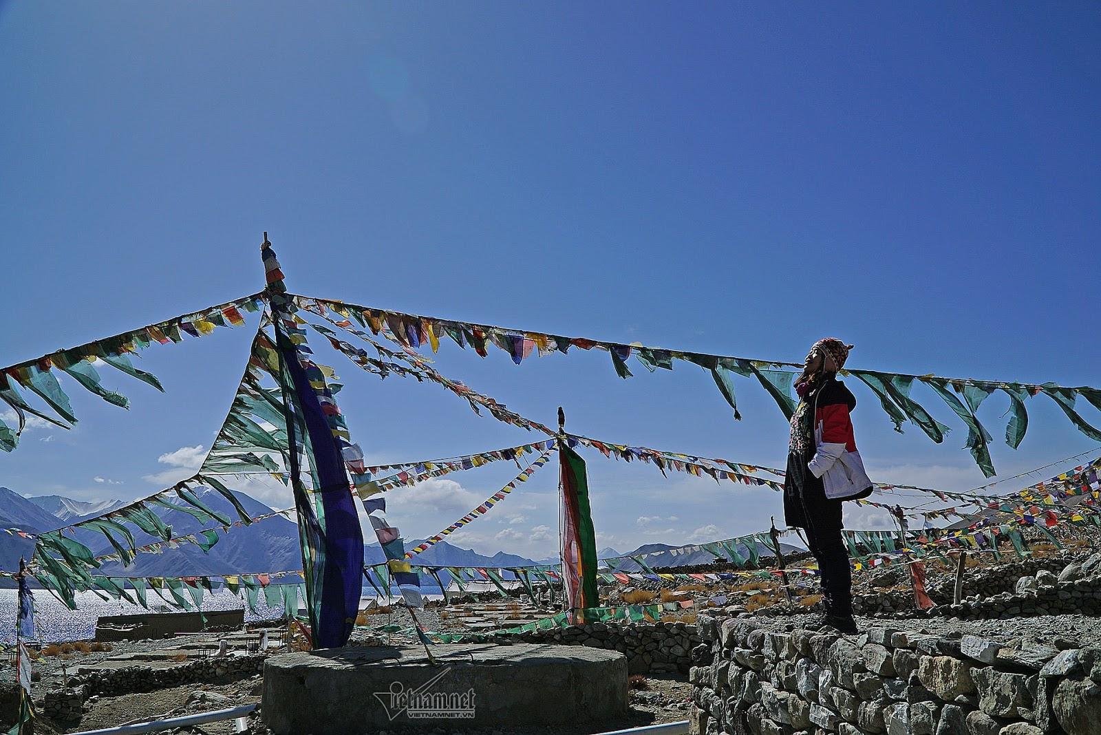Khám phá vẻ đẹp huyền bí hồ Pangong - Ảnh 7