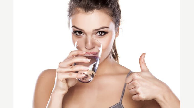 10 signs that you need to drink more water