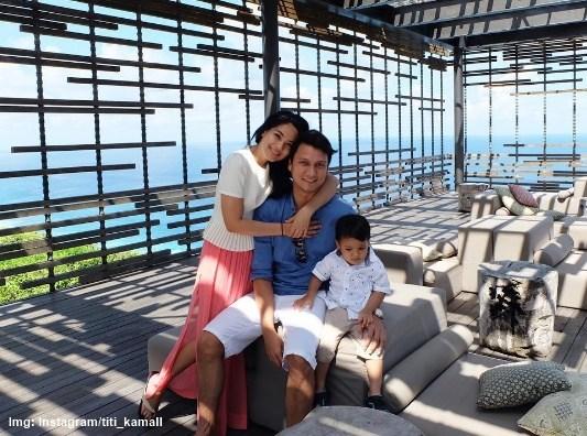 Lima Pernikahan Selebirti Indonesia Yang Tidak Direstui Oleh Orang Tua