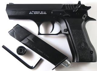 Polisi Karawang Tangkap Warga Bawa  Airsoft Gun