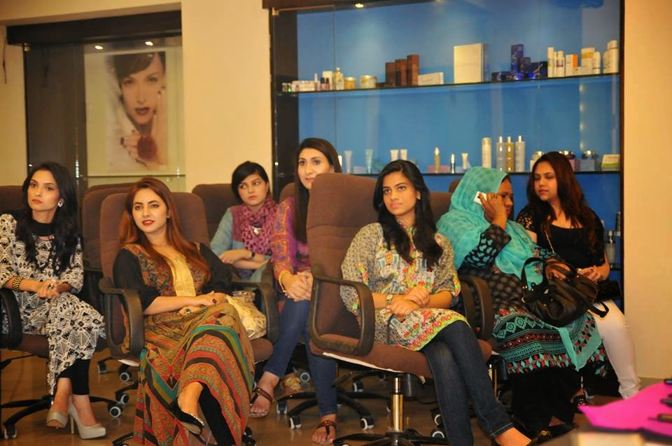 PBBC, Pakistan Beauty Bloggers Community, Beauty Bloggers of Pakistan, Blogspot, Makeup, Atelier Paris Makeup, Top Beauty Blog, Pakistan, Beauty blogger Meetup