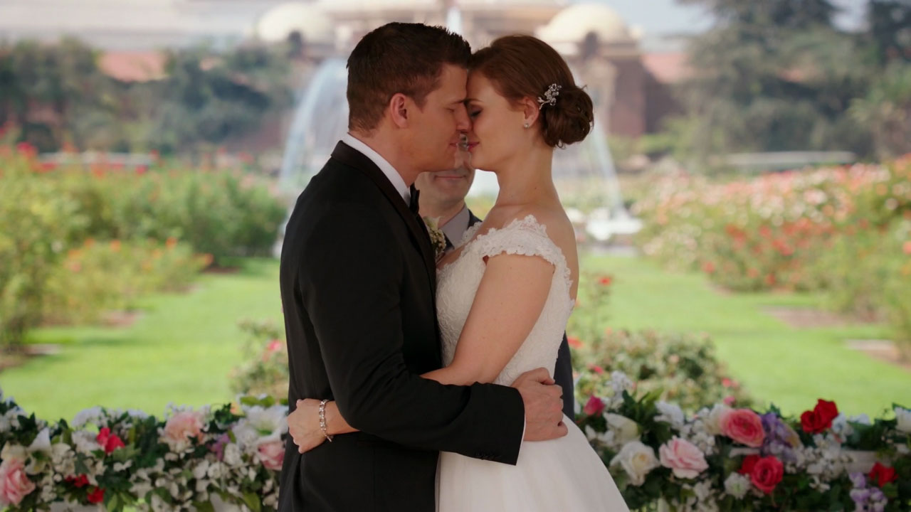 Imagen de Bones de la boda de los protagonistas.