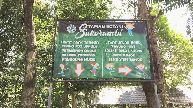 Salah satu petunjuk arah di Taman Botani Sukorambi