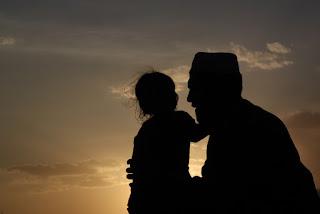 Ayah… Aku Jatuh Cinta, Apa yang Harus Kulakukan?
