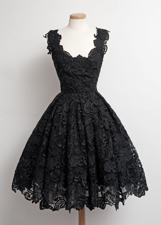 https://www.dressthat.com/simple-elegant-halter-ruffles-grey-chiffon-short-prom-dresses-homecoming-dresses-under-100-sale-hd-4732.html