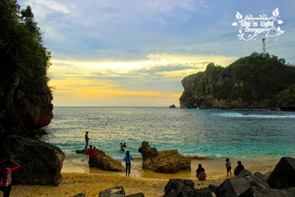 Pantai Sadeng muara bengawan solo purba