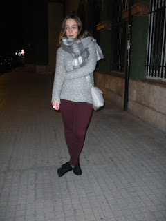 http://conndenoemi.blogspot.com.es/2015/12/cozy-grey-sweater.html
