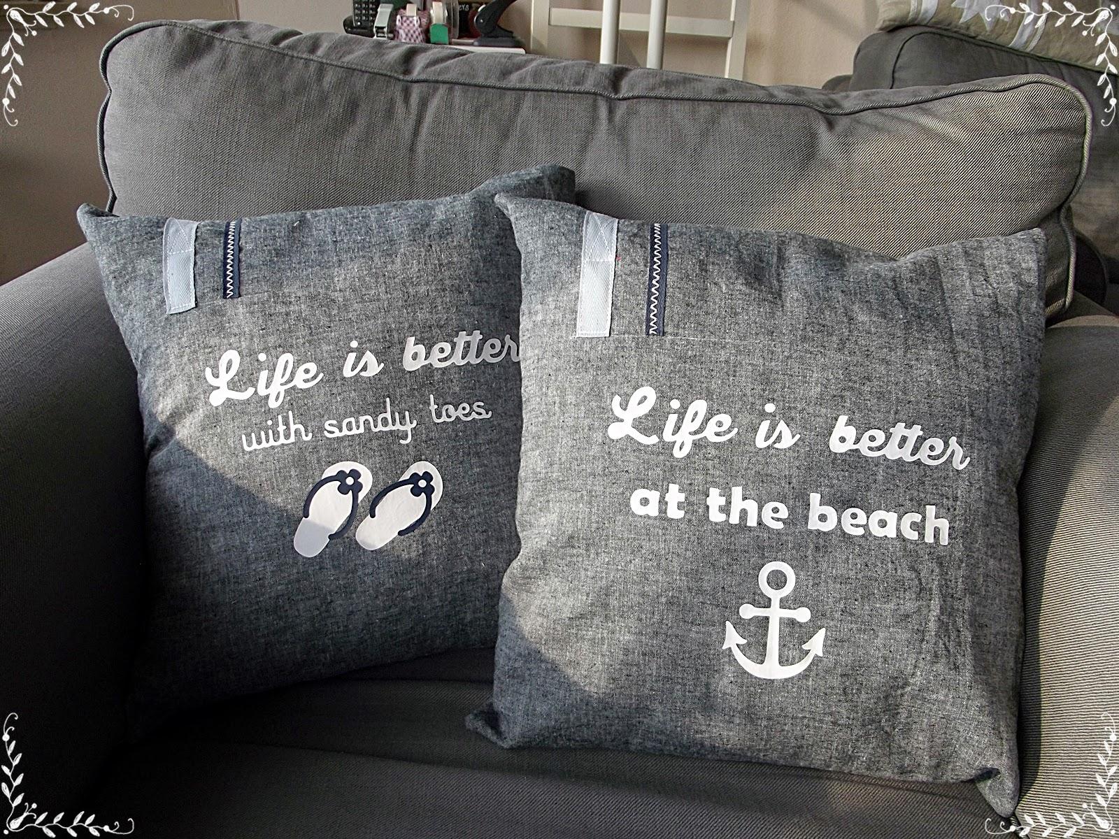 Life is better maritime Kissen