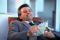 Informasi Uang: Mereka para bankir menghisap uang anda