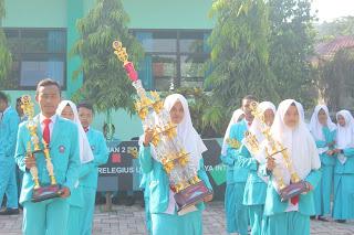 Penyerahan Piala Juara Umum RRC IX 2018 Tingkat Jawa Timur