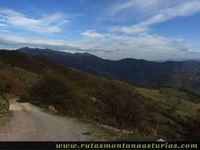 Circular Coañana Saleras: Pista a Villamarcel
