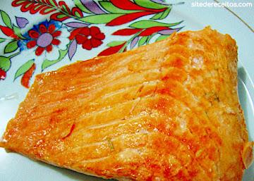 Filé de salmão defumado caseiro