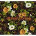 Motif Bunga Desain Tekstil Aksen Putih