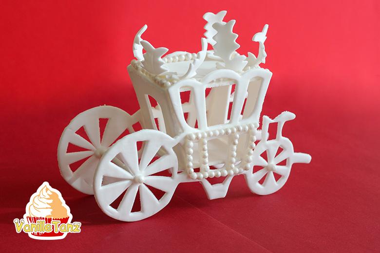 Königliche Kutsche aus Blütenpaste - VanilleTanz