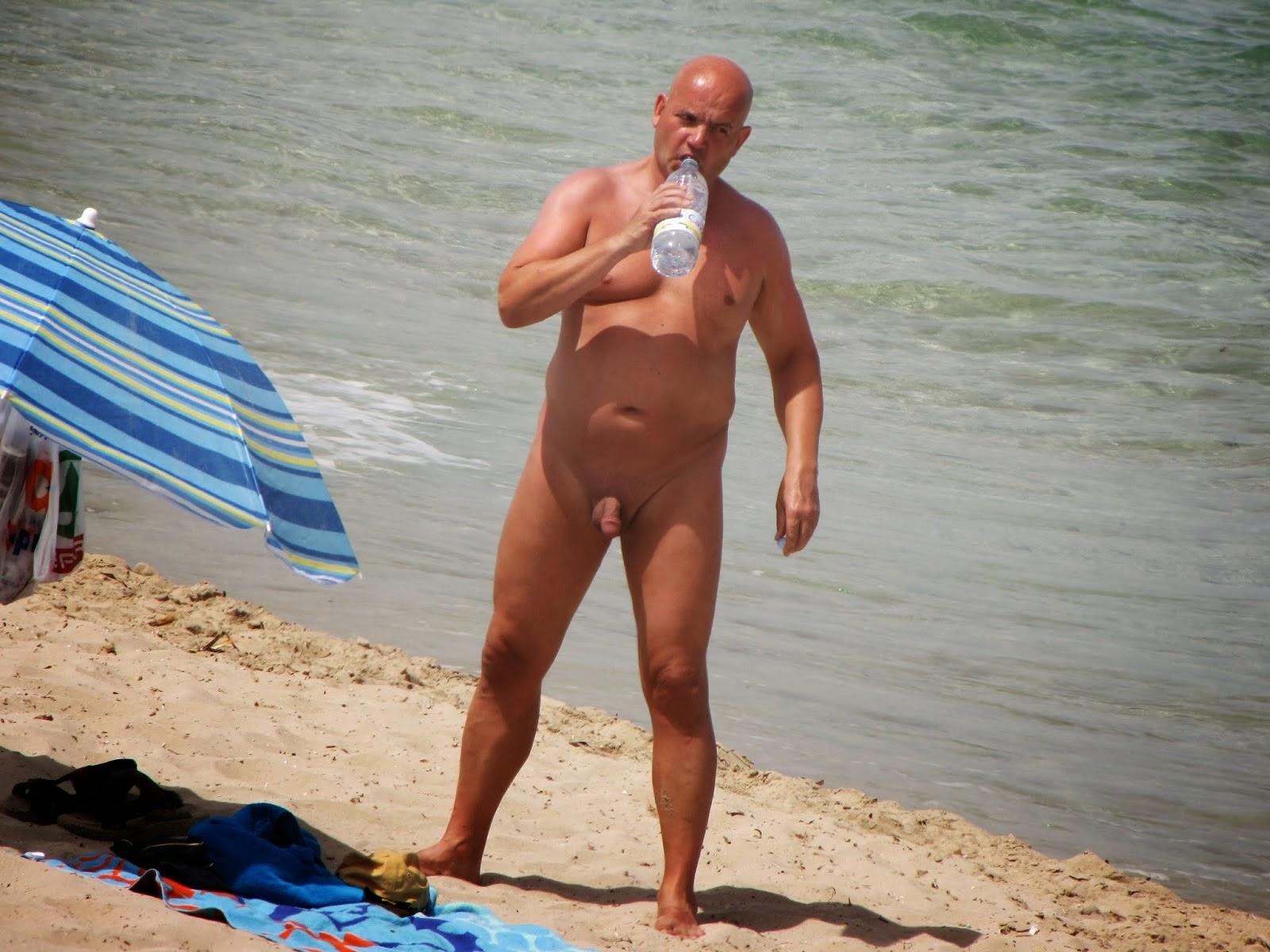 После сего гей пляж видео прижала себе