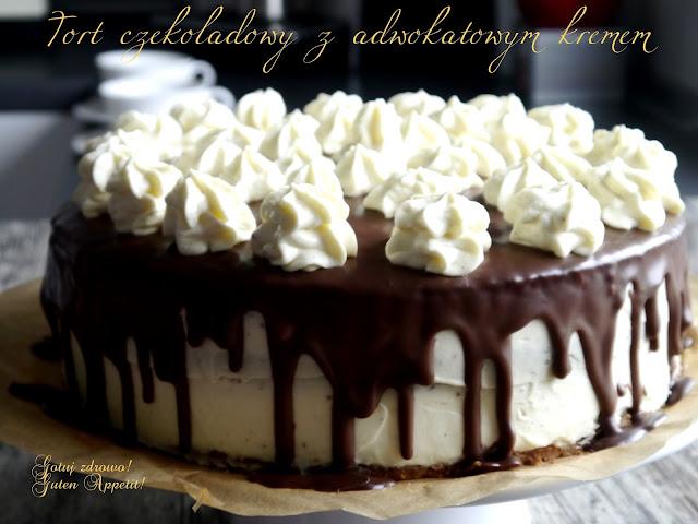 Tort czekoladowy z adwokatowym kremem - Czytaj więcej »