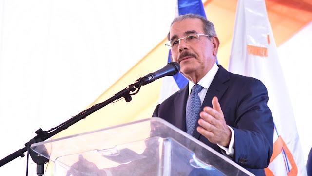 """VIDEO: Danilo  Medina: """"Carretera Padre Las Casas-Bohechío, deuda vieja con uste des que estamos pagando"""""""