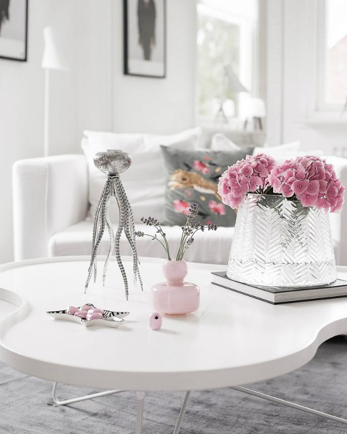 annelies design, bläckfisk, bläckfiskar, ljusstake, ljusstakar, inredning, home2tiny, blogg, bloggar, bloggare, vitt, rosa, vardagsrum, vardagsrummet, dekoration, inredning, inredningsbutik, varberg, soffa, soffor, stilrent, stilren, stilrena,