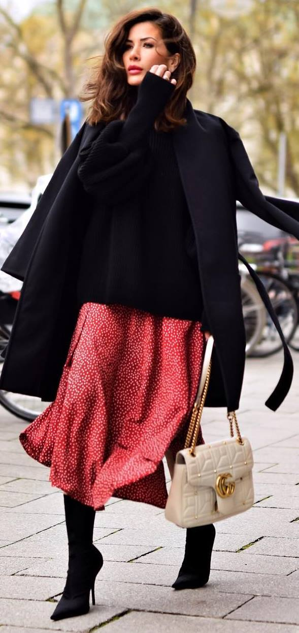 amazing winter outfit idea / coat + oversized sweater + bag + printed skirt + boots