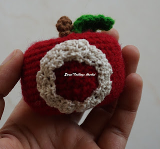 free crochet apple amigurumi pattern, free crochet alphabet motif patterns